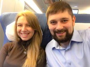 Юлия и Евгений Соловьевы, 2016 г., поезд Петербург-Москва