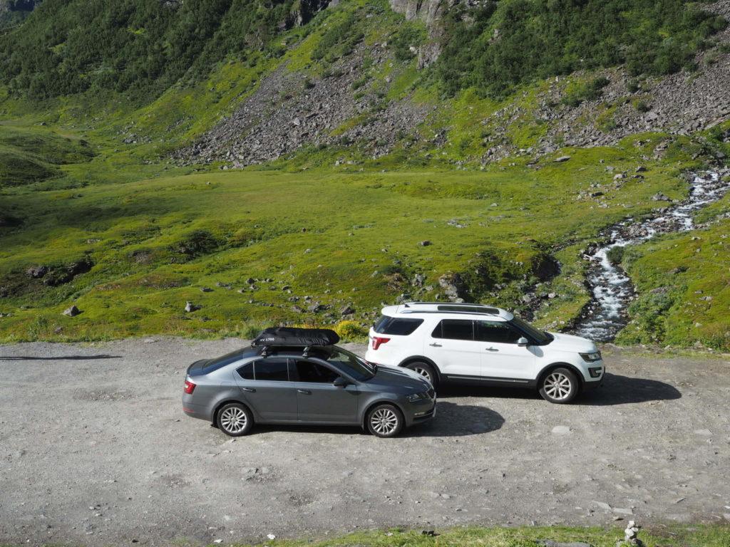 Skoda Octavia и Ford Explorer