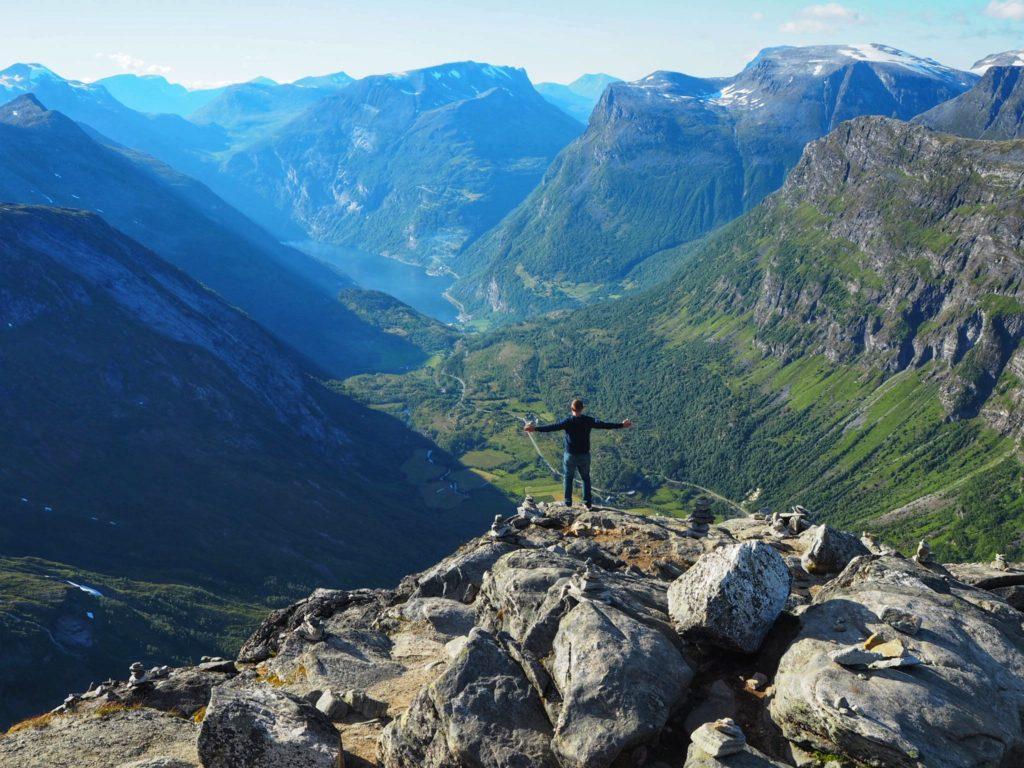 Самая высокая точка Норвегии, доступная на автомобиле (1600 метров над уровнем моря)